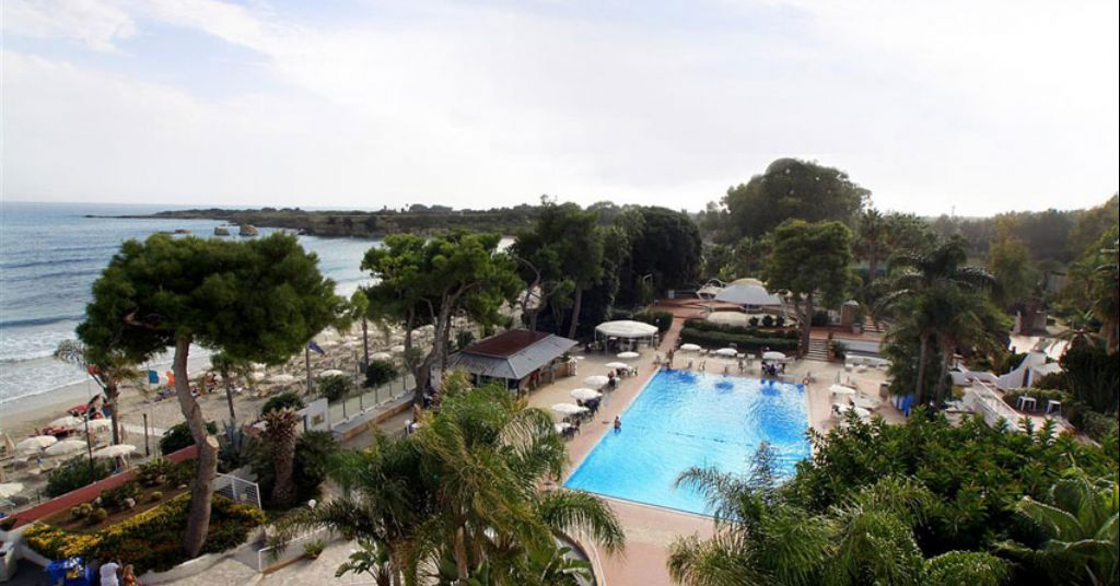 Nicolaus club fontane bianche beach villaggi cassibile for Siracusa beach hotel